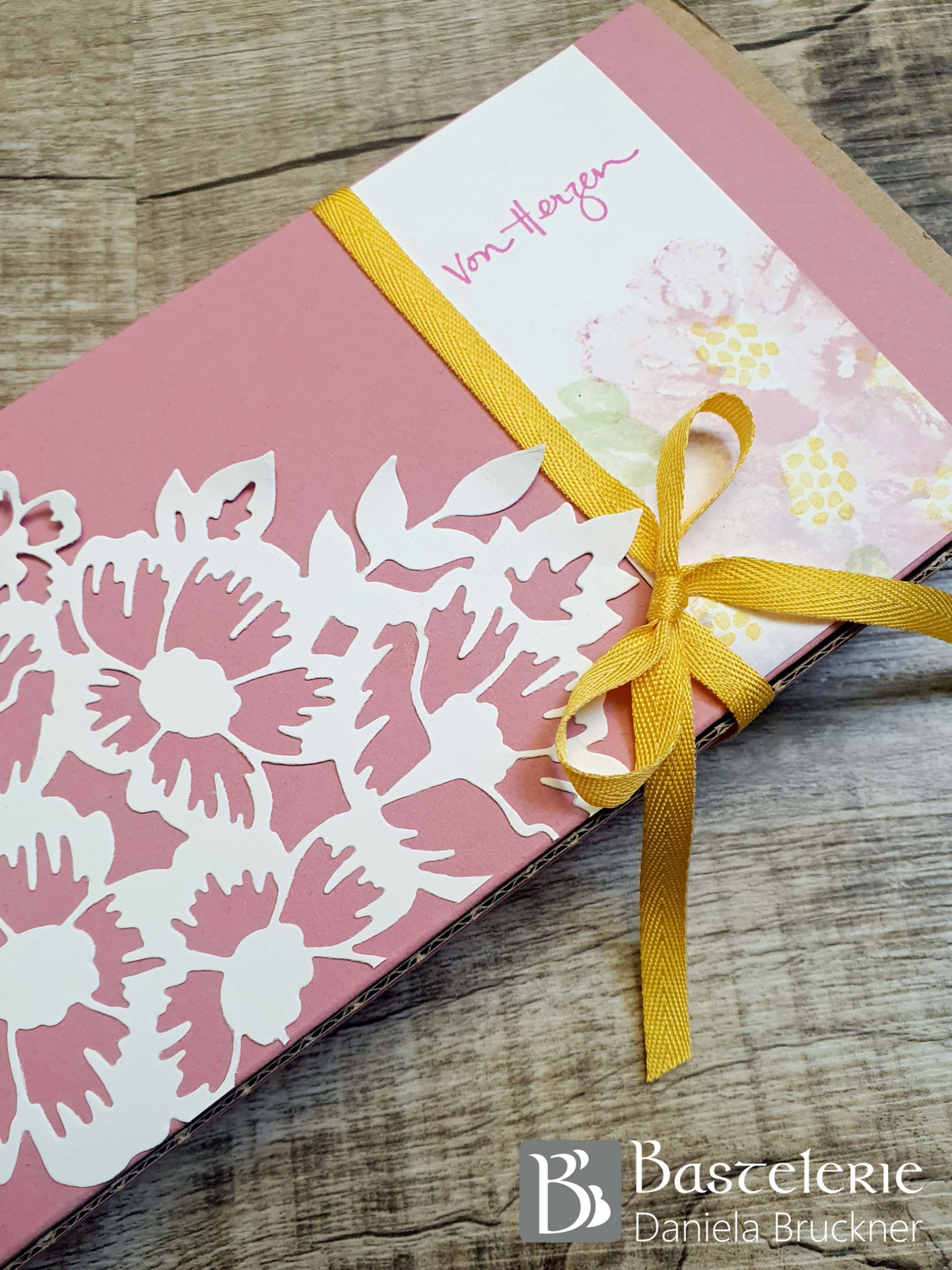 Box_Detail_Blumengrüße_BlogHop_KatalogstÖbern_FacebookLiveMarathon
